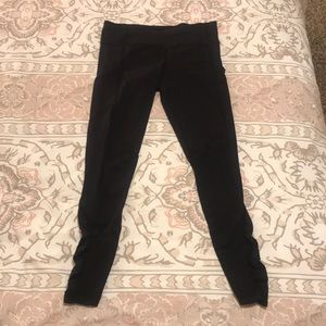 lulu leggings with pockets!